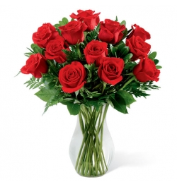 send one dozen red roses in vase to dhaka