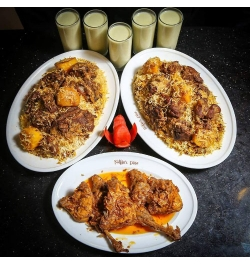 send sultans dine- 5 person kachchi biryani with chicken roast and borhani to dhaka